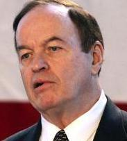 Republican Richard Shelby said issues to be resolved include a proposed consumer protection bureau at the Federal Reserve.