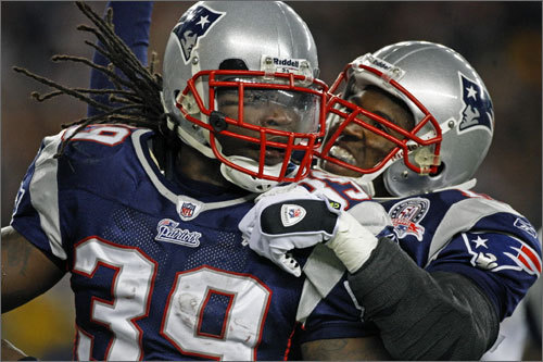 2006: Laurence Maroney The Patriots had the 21st pick in 2006 after finishing 10-6 in 2005, and added Minnesota running back Laurence Maroney. He had occasional contributions, but was not a consistent performer and the Patriots traded him to the Denver Broncos during the 2010 season for the Broncos' fourth-round pick in 2011. Maroney played in only four games last season.