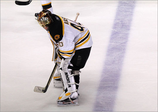 Bruins goalie Tuukka Rask made 29 saves, but couldn't prevent a loss to the Flyers in Game 4.