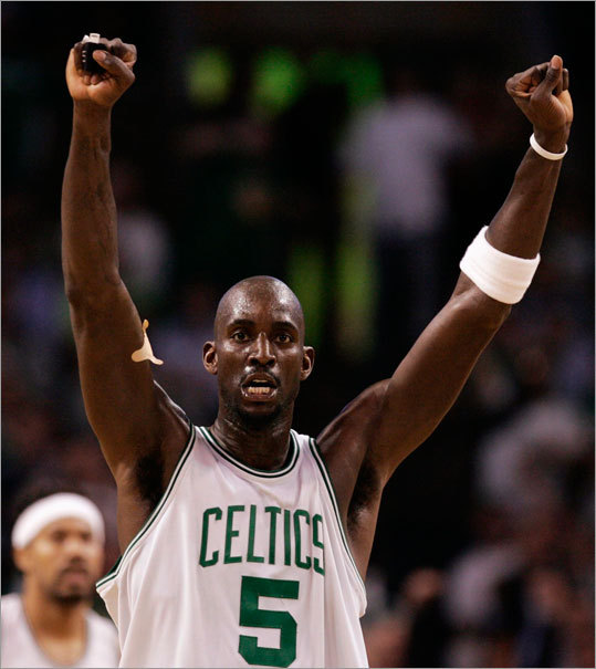 Kevin Garnett led the Celtics with 22 points as they defeated the Cavaliers in Game 6 of their Eastern Conference semifinal playoff series.