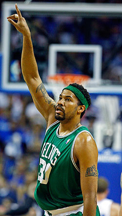 Rasheed Wallace celebrated after hitting this second-half shot.