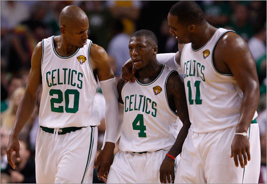 Celtics guard Ray Allen (left) and forward Glen Davis (right) congratulated Nate Robinson after he scored in the fourth quarter. Davis and Robinson led a fourth-quarter surge that gave the Celtics a 96-89 victory in Game 4 of the NBA Finals at TD Garden.