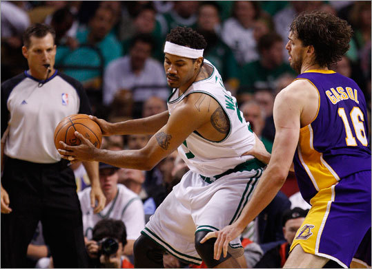 Lakers center Pau Gasol (right) guarded Celtics center Rasheed Wallace in the fourth quarter.