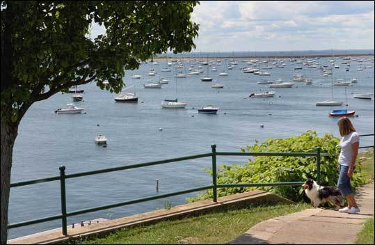 Crocker Park, located on Front Street, has several scenic spots along the harbor. Numerous weddings and concerts take place in the park. Learn more about parks and playgrounds in Marblehead .