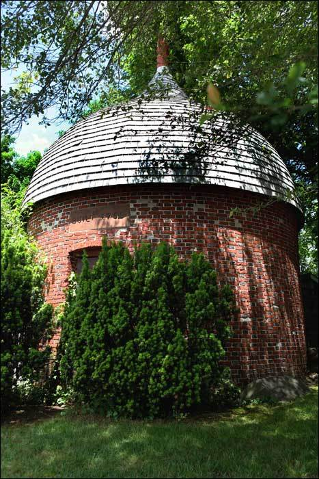 The Powder House on Green Street, formerly known as Ferry Road, was built in 1755 to provide storage for muskets and ammunition. One of only three pre-Revolutionary War powder houses in the country still standing, the building is a unique circular structure built out of brick. It was used for powder storage during the French and Indian War, the Revolutionary War, and the War of 1812.