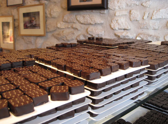 If Frenchwomen truly don't get fat, it may be because they eat the chocolates at Chocolatier Joël Durand in St. Remy de Provence only in moderation.