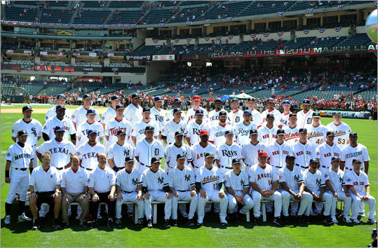 The American League All-Stars posed for a team photo before the game.