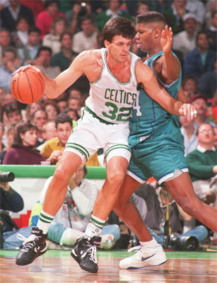 Kevin McHale The case for: McHale is known as one of the best low-post scorers in history -- and perhaps no one had a wider array of moves. He made seven All-Star games and once averaged 20 points coming off the bench for the 1984-85 Celtics team. He led the league in field-goal percentage twice in 1986-87 and 1987-88. Stats: : 12 seasons/17.9 ppg/.554 FG percentage