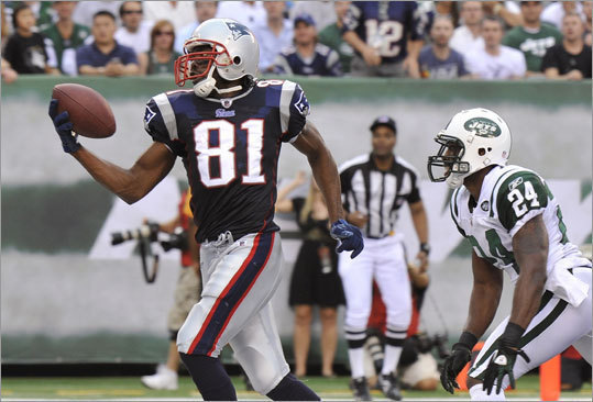 Randy Moss, Sept. 19, Patriots at Jets Randy Moss's one-handed touchdown grab was one of the few highlights for the Patriots in a 28-14 loss to the Jets, and the thing that made it even sweeter was that it came with Jets star cornerback Darrelle Revis defending. 'Regardless of the touchdown, the one-handed catch -- my teammates commended me on it -- but we didn't win the game. I don't really care too much about it,' Moss said.