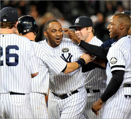 Sunday: Yankees 4, Red Sox 3 Juan Miranda drew a game winning walk in the bottom of the 10th with the bases loaded to win, 4-3, on Sunday. The game went back and forth and featured blown saves from Jonathan Papelbon and Mariano Rivera.