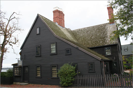 As inspiration for Nathaniel Hawthorne's novel of the same name, House of the Seven Gables is New England's oldest mansion. It is now a museum open to the public.