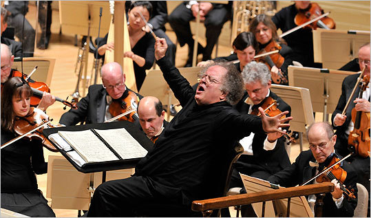 James Levine led the BSO in Mahler's Fifth.