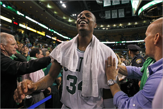 Celtics captain Paul Pierce got a big ovation from the TD Garden crowd as he left the court following the Celtics' victory in their NBA season opener.