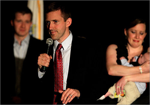 Republican Sean Bielat, with his wife, Hope, and son Theo at his side, delivered his concession speech to a crowd gathered in Newton after failing in his bid to unseat Barney Frank. Read article.