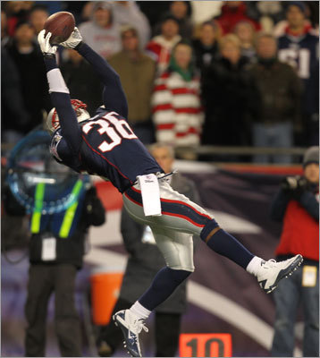 Nov. 21, 2010: Patriots 31, Colts 28 Just like the year before, the Colts rallied and were pushing toward a go-ahead or game-tying score late in the fourth quarter. But safety James Sanders ended the comeback with an interception of a Peyton Manning pass on first-and-10 from the Patriots' 24. The Patriots led 31-14, but Manning led two touchdown drives in the fourth quarter, and the Patriots were forced to punt after failing to convert on third down with 2:38 left in the game, setting up a final attempt by the Colts.