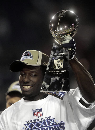 Deion Branch Branch was MVP of Super Bowl XXXIX, in the Patriots' 24-21 win over the Philadelphia Eagles. He had 11 catches for 133 yards. Many believe he was a strong contender for Super Bowl MVP the year before (Tom Brady won), when he had 10 catches and 143 yards vs. the Panthers.