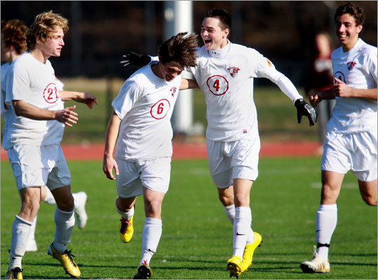 Opportunity knocks for one Patriot It's said timing is everything. Stowe Simonton would agree. As Concord-Carlisle prepared for its Division 2 boys' state soccer title game against Nipmuc, Simonton was the only player on the Patriots roster without a point this season.It didn't take long for that to change. With the score 1-1 in the second half, Simonton connected on a mid-air volley off a corner kick and Concord-Carlisle went on to win the state championship, 2-1, its third in the past five years. ''I've been missing my opportunities, I guess, but luckily I was able to get one at the right time,'' the sophomore said.