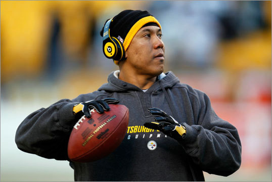Steelers wide receiver Hines Ward warmed up before the AFC Championship Game between the Pittsburgh Steelers and New York Jets.
