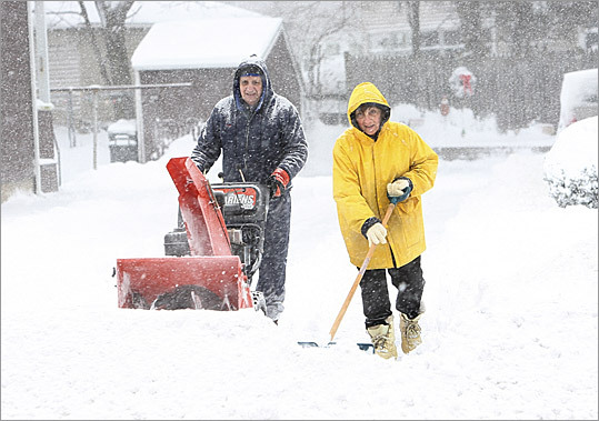 Snow Blower Found : Consumer reports guide to snow blowers boston