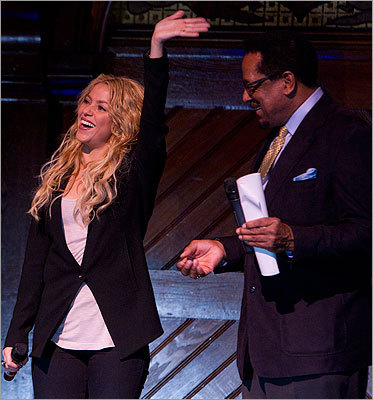 Allen Counter, the director of the Harvard Foundation and Harvard neuroscience professor and administrator, presented SHakira with the award at the Saunders Theater.