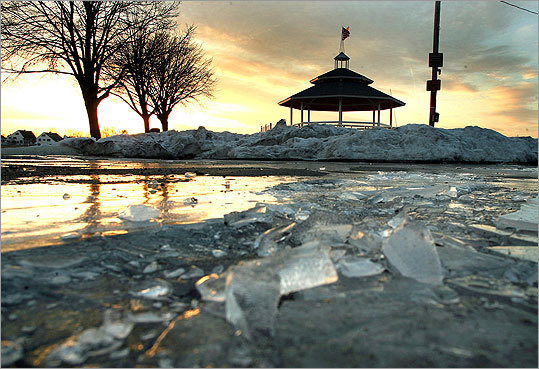 Braintree Irish population: 46.5% Located a short drive (or Red Line trip) from Boston, this town ranks behind Scituate for Irish population. At left, ice covered the ground from the recent deep freeze as the sun set over the Sunset Lake bandstand. Margin of error: +/- 5.5%