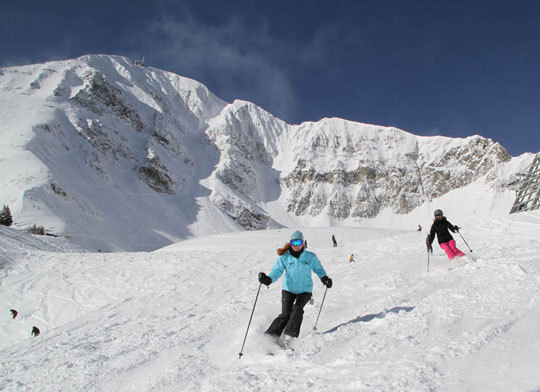 Montana is like the final frontier for skiers. If you haven't skied the Big Sky state, you're missing the big picture. Let me paint it for you: far fewer crowds than most Colorado or Utah resorts, magnificent 11,000' mountains, superb scenery, and serious snow.