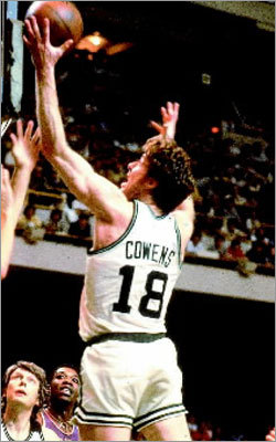 Dave Cowens: Game 7, 1974 NBA Finals vs. Bucks How good was Cowens in this memorable playoff performance? The Celtics forward outscored Kareem Abdul-Jabbar , putting up 28 points and 14 rebounds as the Celtics clinched their first championship in five years. In foul trouble in the fourth quarter and with the Bucks trailing by three, Cowens remained in the game and led the Celtics on an 8-0 run and an 11-0 run as Boston clinched the game down the stretch. (Note: Photo not from that game).