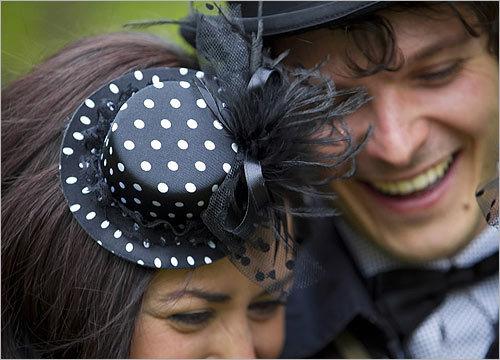 Royal wedding scenes from London