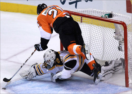 Thomas also denied Flyers left wing James van Riemsdyk in the second period. Thomas had 31 saves.