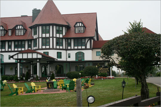 The Algonquin is a large rambling resort built in 1889 and soon purchased by the Canadian Pacific Railroad. With its red-gabled roof, it resembles the grand dames being built at the time such as the Mount Washington Resort in the White Mountains. Read: By the bay
