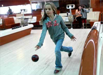 Natick's Fairway Bowling lanes to close