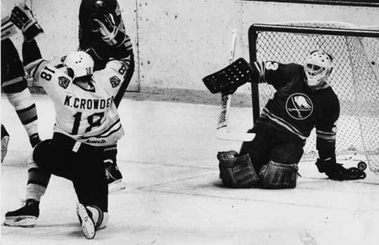 1983: Bruins taken down by the Islanders in six The Bruins had to beat the Quebec Nordiques in the first round as one of their obstacles to reach the conference finals. After beating the Sabres in the second round in seven games, the Bruins lost to the Islanders in six. Barry Pederson, then 21, and a 29-year-old Rick Middleton led the way for the Bruins that year, along with a 22-year-old Ray Bourque. In this particular series, the Bruins gave up seven goals in three of the losses and five in another one. The Islanders swept the Oilers to win the Stanley Cup.