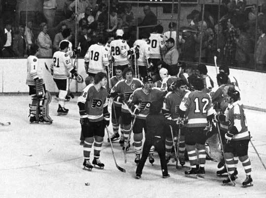 1976: Flyers get to the Cup The Flyers beat the Bruins in what would be the first of three straight conference finals matchups, with the Bruins taking the next two. Philadelphia won this one in five. The Flyers lost Game 1 but reeled off four straight, including Game 2 in overtime. The Bruins were led in the playoffs by 35-year-old center Jean Ratelle who had 16 points in 12 games between the Flyers series and a seven-game series in the first round against the Kings.