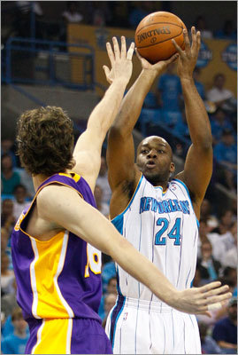 Carl Landry, PF Landry is an undersized power forward in the Glen Davis mold. The players' heights relative to their position are where the similarities end, though. The 6-foot-9-inch Landry is a natural scorer, averaging 15.8 points and five rebounds for the Hornets in this year's playoff series vs. the Lakers. If Davis ends up elsewhere, Landry could slide into his role. The big question with Landry might be his affordability.