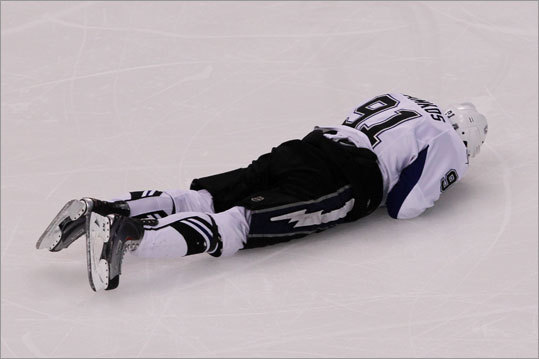 There was a scary moment in the second period when the Lightning's Steven Stamkos took a puck to the face and fell to the ice.