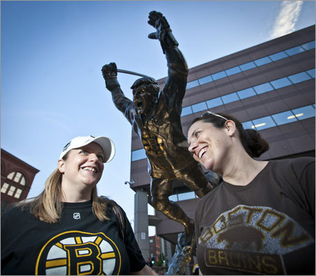 Christine Jennings (left), of Quincy, and Christine Carlson of Cambridge visited the Bobby Orr statue on their way into the TD Garden.