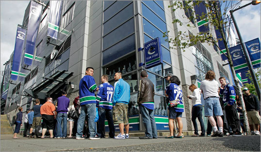 On the morning of Game 1, fans were lined up outside of the Canucks souvenir store at Rogers Arena waiting for the doors to open in order to do some shopping.