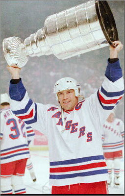 Messier's messes Mark Messier won six Stanley Cups, so he's likely to have plenty of stories to go along with his six allotted days with it. After winning with the Oilers in 1987, Messier brought it to his favorite Edmonton strip club, the Forum Inn, and let patrons drink out of it. In 1998, Messier dented the Cup and brought it to an automotive repair shop to get fixed.