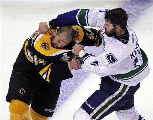 Bruins defenseman Dennis Seidenberg and Canucks forward Ryan Kesler had a brief third-period fight.