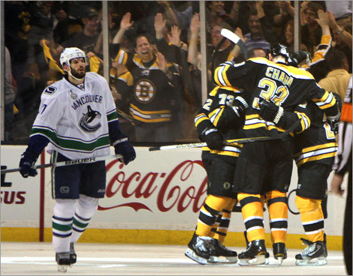 Vancouver's Ryan Kesler couldn't bear to watch as the Bruins celebrated a goal in the second period.