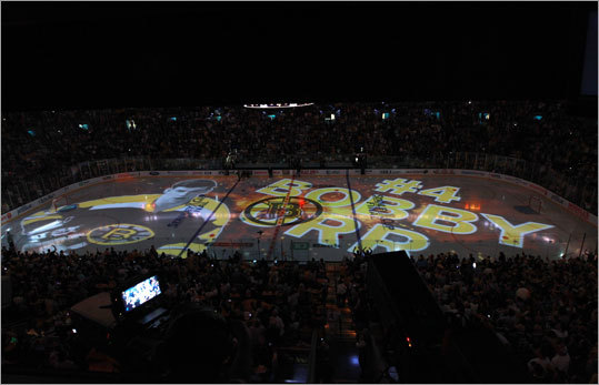 Bruins legend Bobby Orr was honored prior to the start of Game 4 with an on-ice tribute, then he unveiled the fan flag, which bore the number of injured Bruin Nathan Horton.