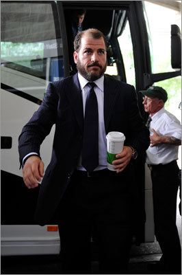 Bruins right winger Mark Recchi walked off the team bus at the Rogers Center before Game 5 Friday.