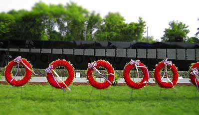 Veterans, friends, family pay tribute at Vietnam Moving Wall