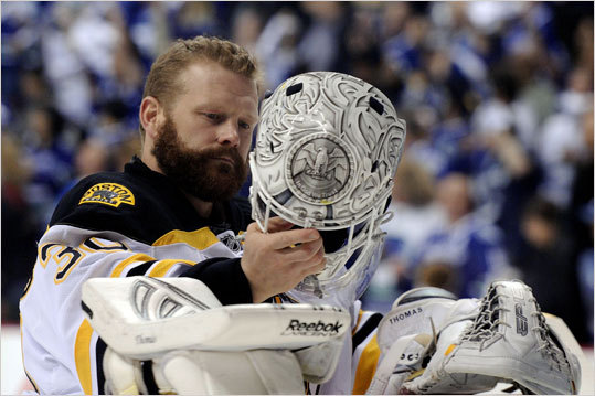 Bruins goalie Tim Thomas stood in net just before Game 7 got underway.