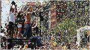 Bruins parade photos