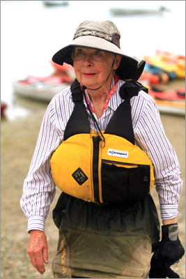 Elizabeth Pratt, 83, of Eastham, loaded her kayak onto her car to come paddle with an Appalachian Mountain Club tour around the bay. Read: Surface attention