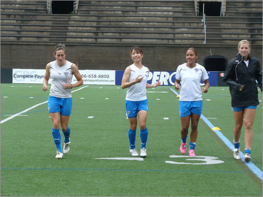 Aya Sameshima (second from left) has impressed the Breakers with her on-field commitment and endurance since joining the team last month.