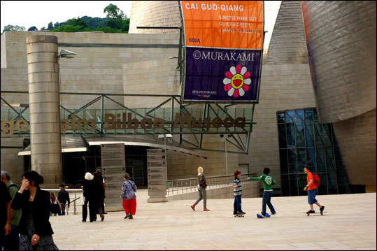 Skateboarding Bilbainos have embraced the plazas and ramps of the Guggenheim Bilbao.