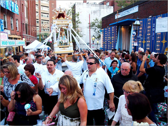 The procession of the Madonna began outside the headquarters of the Madonna del Soccorso di Sciacca Society, at the intersection of North and Lewis streets.