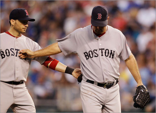 Aug. 20: Royals 9, Red Sox 4 Tim Wakefield took a three-run lead into the bottom of the sixth inning against the Royals Saturday night, putting him on the doorstep of his elusive 200th career win. But Wakefield came out of the game with one out in the sixth, and the Red Sox came apart from there.